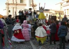 Faenza. Al centro sociale 'Borgo' si festeggia il carnevale, o meglio il carnaval con Zio Mago.