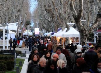 Fiera di Sant'Apollonia a Bellaria Igea Marina: tanta partecipazione e non è ancora finita.