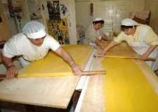Cervia. Nuovo appuntamento dei laboratori di cucina romagnola promossa nelle scuole dall'associazione Casa delle Aie'.