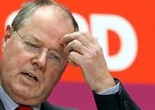 Cronache politiche. Berlusca e Grillo 'comici'. Steinbrück 'cornuto'. Ma chi tra loro fa ridere di più?