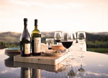 Emilia Romagna. I vini del Podere sbarcano nelle Marche. In compagnia dei mangiari di ' Bologna, la grassa'.