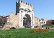 Rimini. Trekking urbano per tra i monumenti alla scoperta della città Romana in dialetto riminese.