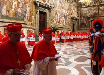 Elezione del Papa. I pronostici. Occhi umani, per 'anticipare' chi sarà il nuovo Pontefice.
