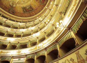 Cesena. Cultura. Una Christmas Card come regalo. Comprende tre ingressi per spettacoli al Teatro Bonci.
