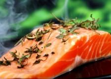 Benessere. Gli anziani che mangiano pesce vivono due anni in più.