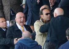 Cronaca sportiva. Un Milan Rocambole va in Champions. Inutile la goleada della Viola.