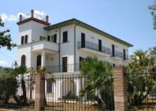 Riccione. Villa Mussolini sarà decorata con lana e uncinetto, partito il progetto 'Una pezza ai disagi'.