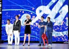 Semifinali per Amici di Maria De Filippi. In quattro per la vittoria: Greta e Moreno ( Bianchi), Verdiana e Nicolò ( Blu).