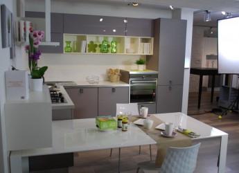 Le cucine Lube del Concept Store di Cesena nel nuovo filmato di Orogel. Il rapporto con natura e genuinità.