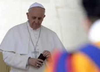 Vaticano. Ior, arrestati un alto prelato e un funzionario dei servizi. Guai per il Papa.