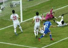 Cronache di sport. Italia-Sol Levante 4-3. Ma non è stata come la mitica partita dell'Azteca. Tanti gli errori.