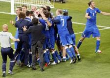 Cronaca sportiva. L'Italia di Prandelli alla Confederation Cup. E' ora che dei 'crestati' si preoccupi il Mondo.