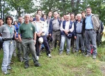Bagno di Romagna. L'amministrazione incontra alla Foresta della Lama due università in viaggio studio.