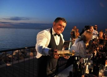 Parma. Tramonto DiVino fa tappa in città. Le degustazioni dei migliori vini del territorio in piazza Garibaldi.