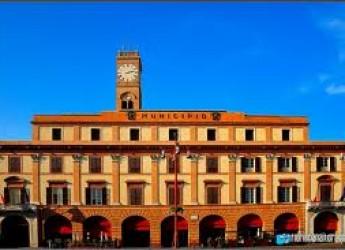 Forlì. Il viaggio dell'Emilia Romagna verso l'Expo fa tappa in città. Accolti con un grande brindisi gli chef e produttori delle eccellenze locali.