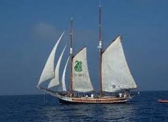 Emilia Romagna. La Goletta Verde di Legambiente arriva sulle coste della regione per un monitoraggio dello stato di salute del mare e dei litorali.
