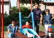 Lugo. Inaugurato al parco del Loto un nuovo gioco per bambini diversamente abili.