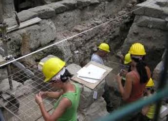 Rimini. Lavori sulla fognatura di via Santa Chiara, Hera sonderà il sottosuolo per individuare strutture edilizie di interesse archeologico.