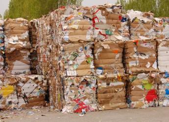 Italia & Mondo. Inziative contro lo spreco di carta e l'eccessiva produzione di rifiuti in Inghilterra. E' tempo di cambiare.