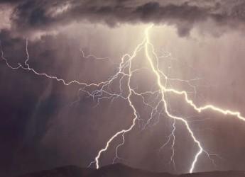 Ravenna. Allerta meteo della Protezione civile da stasera per temporali di forte intensità fino alle 11 di domani mattina. Mare agitato.