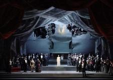 Fusignano. La Traviata di Verdi sul palco del Teatro Moderno.
