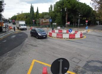 Riccione. E' attiva da qualche ora la nuova rotatoria all'innesto tra la Statale 16 e le vie Formia e Cagliari.