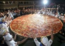 Italia & Mondo. Milano Expo. Conto alla rovescia in Emilia Romagna per la pizza da record, oltre 80 pizzaioli impegnati, tra questi una suora di Savignano. .