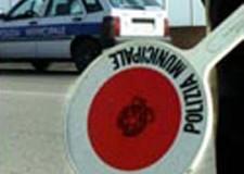 Santarcangelo. La Polizia Municipale sequestra un ingente quantitativo di merce contraffatta stipata nel baule di un'auto.