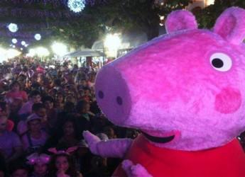 Cesenatico. Peppa Pig incontra i suoi fans a Portofranco.