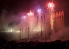 Lugo. San Silvestro in piazza con i fuochi d'artificio.