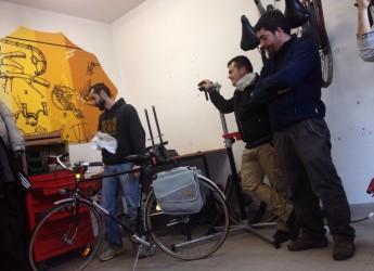 Rimini. Progetti educativi: 'Ciclofficina', laboratorio per imparare l'arte della manutenzione della bicicletta.