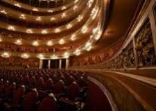Rimini. Al Teatro Novelli lo scrittore Beppe Severgnini porta in scena 'La vita è un viaggio'.