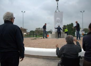 Misano. Inaugurazione della rotatoria dedicata a Marco Simoncelli, realizzata da Fernando Caciorgna.