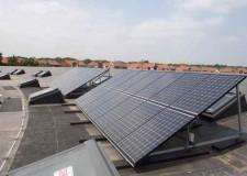 Cesena. In arrivo in sei scuole impianti solari per la produzione di acqua calda. Negli ultimi 4 anni risparmiati 940mila euro.