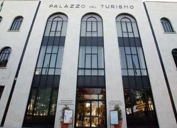 Riccione. Al Palazzo del Turismo Greta Galassi ha salutato l'Italia, destinazione Cina, in occasione del concerto lirico.
