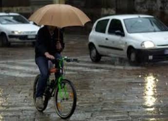 Italia. 3Bmeteo.com: 'Rischio forti piogge su Tirreno, Isole e Liguria, un po' di neve sulle alpi. Nuova perturbazione nel weekend'.