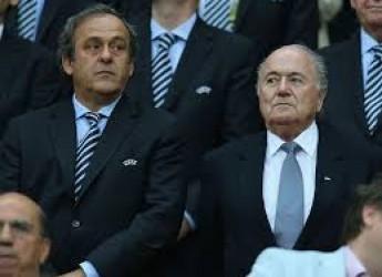 Cronaca ( non solo) di sport. Italia, attenta alla difesa. E a Blatter. La 'rossa' di nuovo umiliata.