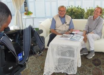 Riccione. Osvaldo Bevilacqua e le telecamere di 'Sereno Variabile' a spasso nella Perla Verde.