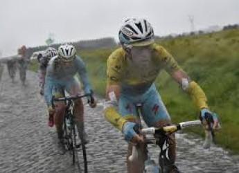 Notizie ( non solo) di sport. Giù le mani da Nibali. Quando l'Italia può ( e vuole) sa tornare grande.