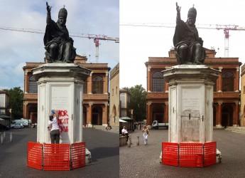 Emilia Romagna. Rimini: verso la fine l'intervento di ripulitura dei Monumenti imbrattati.