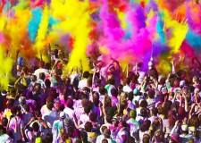 Il lungomare è pronto ad accogliere i color runners. Sabato 2 agosto appuntamento con la maratona più divertente del pianeta.