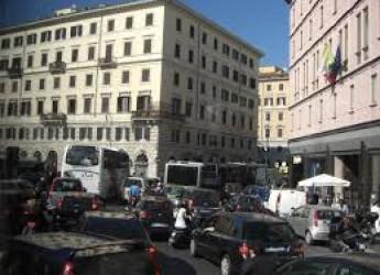 Salute e ambiente. Dall'alto numero di auto,un pericolo per la salute. L'Ue intervenga sulle emissioni.