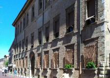 Rimini. 'Anello delle nuove piazze': finiti i lavori tornano a splendere le facciate di palazzi e chiese della città.