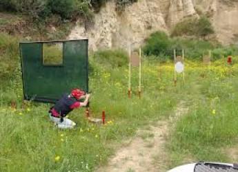Tiro dinamico sportivo. Giuseppe Perra, della PM di Rimini, per la vittoria fino all'ultimo tiro.