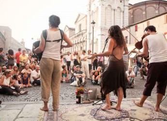 Ferrara Buskers Festival 2014 la magia della musica on the road. Dal 21 al 31 agosto torna a Ferrara l'evento dedicato alla musica in strada.