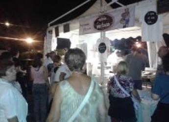 Marina centro, successo per 'I love Saraghina dinner'.Una festa in onore del pesce azzurro dell'Adriatico.