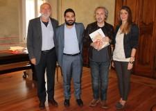 Lugo. Il fumettista Babini ricevuto in Rocca. L'autore insignito a Roma del premio 'Romics d'oro 2014′  quale miglior disegnatore.