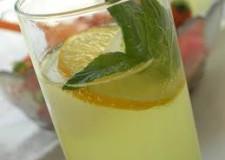 Mode. Sul web scoppia la 'Lemon Face Challenge', per raccolte fondi contro la fame.