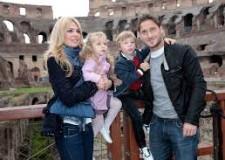 Notizie ( non solo) di sport. Roma da urlo, Juve da schiaffi. E poi parlano di gap con l'Europa.
