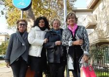 Rimini. Toponomastica al femminile: oggi montata la prima delle venti nuove targhe.